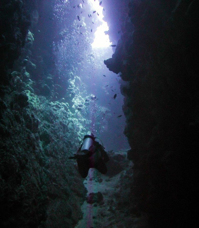 canyon-dive-site-dahab-by-agnieszka-kozłowska