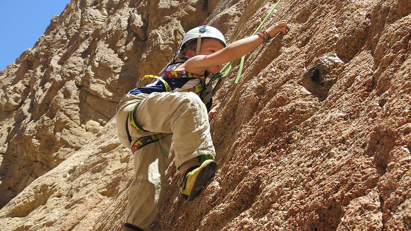 kids-rock-climbing-dahab-erik